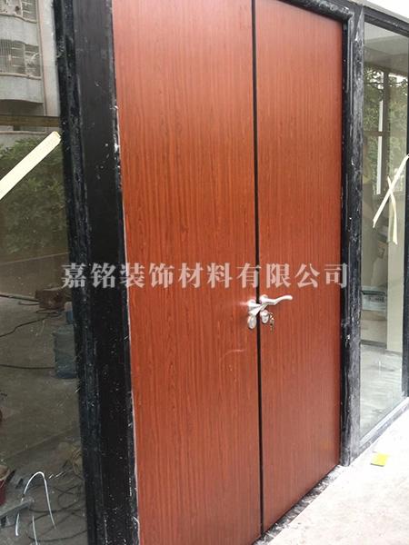 鋁木生態門