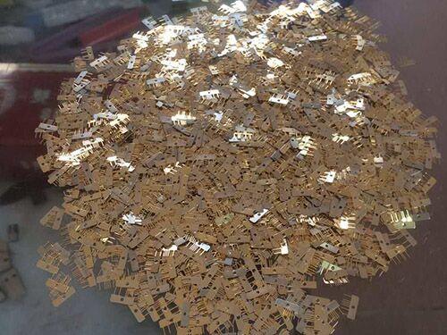 高價青黃銅回收什么價格_鍵興再生資源_廢舊模具_專業線路板