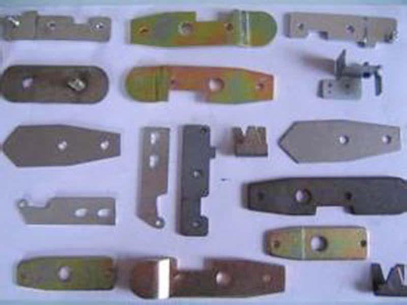 鋁板沖壓加工定制_龍偉五金_大型_鋁_鋁型材_專業_拉伸_絕緣板