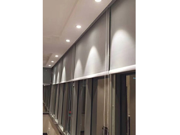 惠州半遮光办公卷帘 满满窗饰 手动 室内 阻燃 专业 半遮光