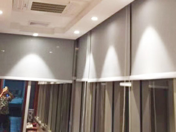 惠州辦公卷簾安裝方案 滿滿窗飾 半遮光 寫字樓 電動 涂銀