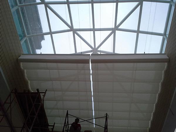 湛江辦公室天棚簾 滿滿窗飾 別墅 防風 防紫外線 半遮光 手動