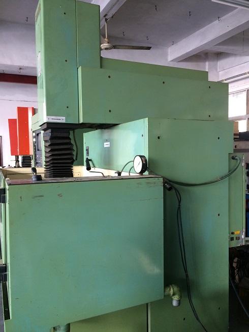 二手台湾原装秀丰CNC640火花机
