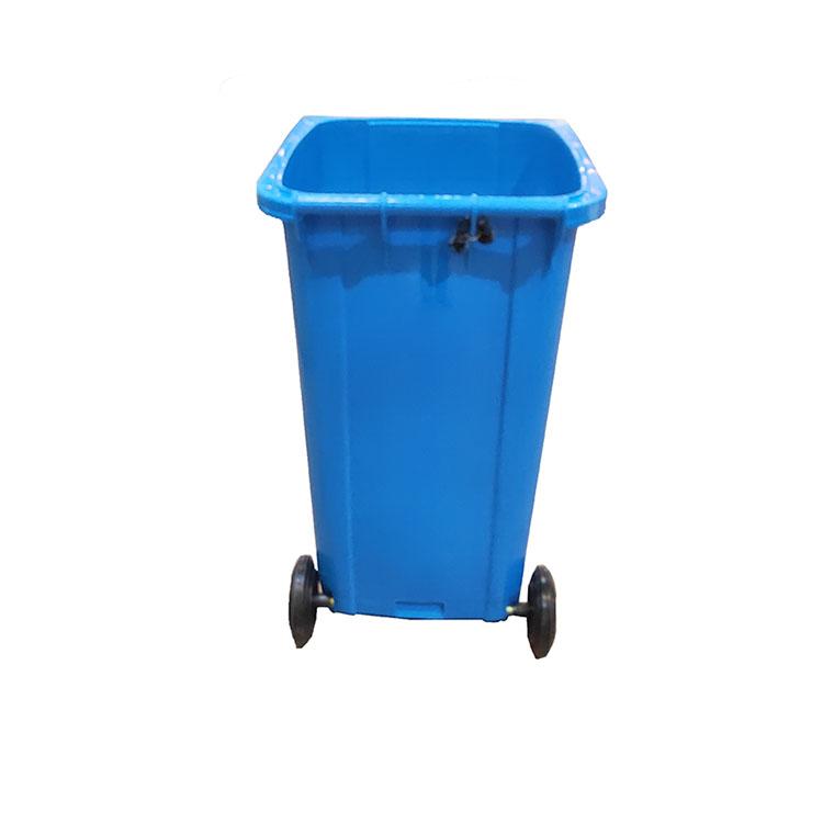 蓝色环卫垃圾桶
