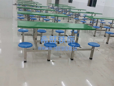 不锈钢餐桌生产