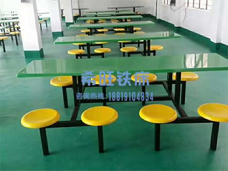 不锈钢餐桌生产定制