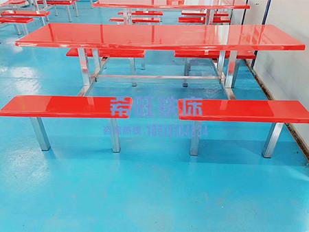 不锈钢餐桌定制厂家