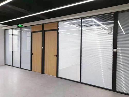 辦公室玻璃隔墻工程