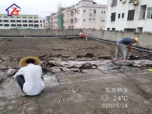 東莞橋頭雙虹貿易物流廠房樓頂整體補漏施工,面積約3200㎡
