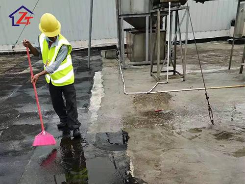 東莞海金杜門一期廠房屋面裂縫漏水至車間補漏