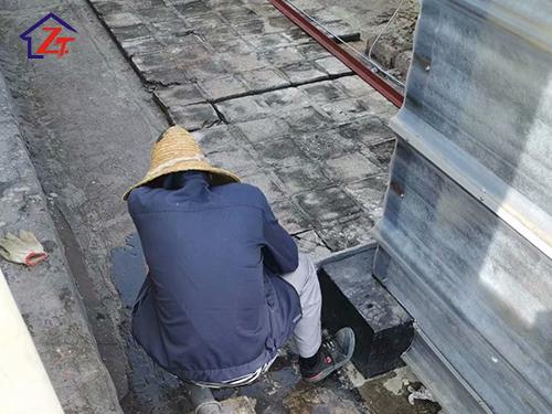 塘廈超匯鏈條有限公司電梯井補漏