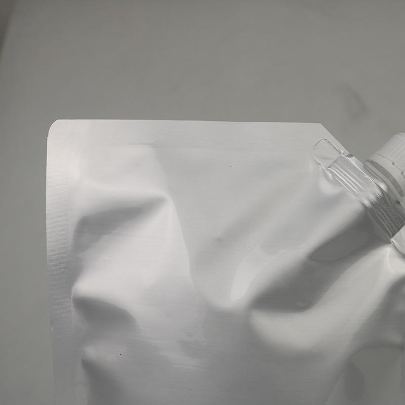 鮮奶自立吸嘴包裝袋供應商_鴻邦包裝_500ml鋁箔_自立透明