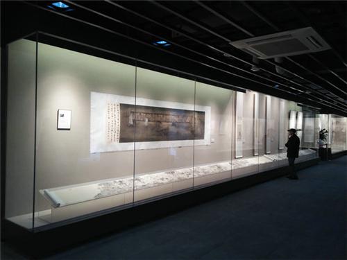 博物馆展示柜价格_龙泰展柜_玻璃_灯具_商场_亚克力_首饰_服装