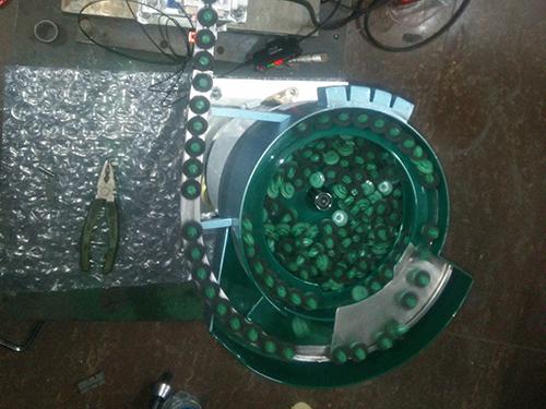 圆卡扣振动盘生产