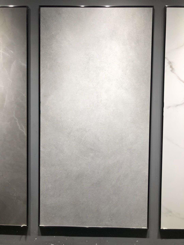 酒店岩板瓷砖厂家生产批发_粤九陶瓷_釉面_抛釉_学校_防滑_客厅