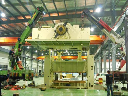 大型机械吊装