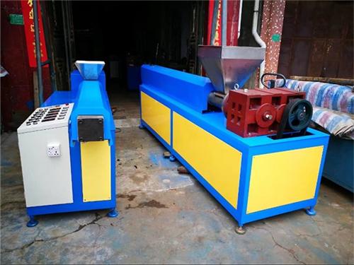 橡膠擠出機公司_琛城機械_玩具_硅_螺桿_單螺桿_TPE_雙螺桿