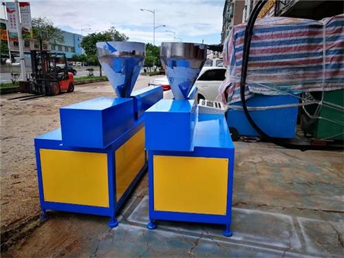 硅膠雙螺桿擠出機哪家比較好_琛城機械_橡膠_熱塑性塑料_小型