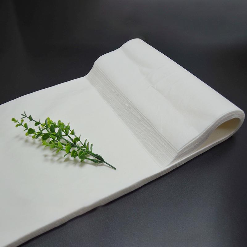 白色擦腳巾