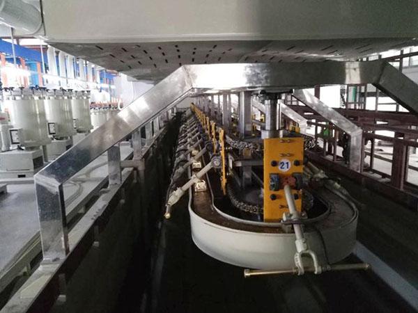 垂直升降式電鍍設備