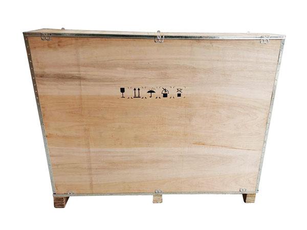 木制钢带箱