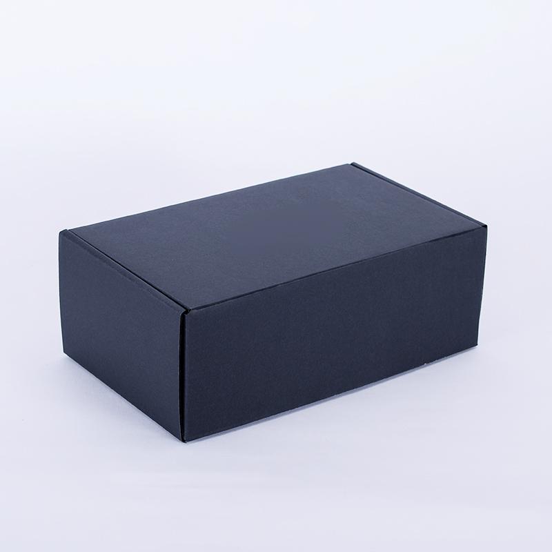 黑色飛機盒