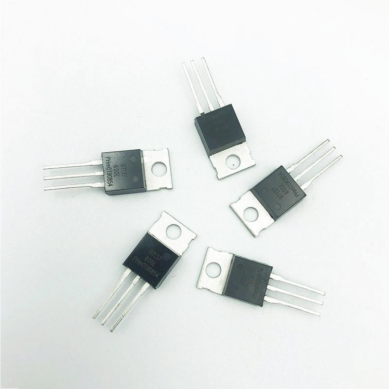 可控硅BT137(TO-220D)