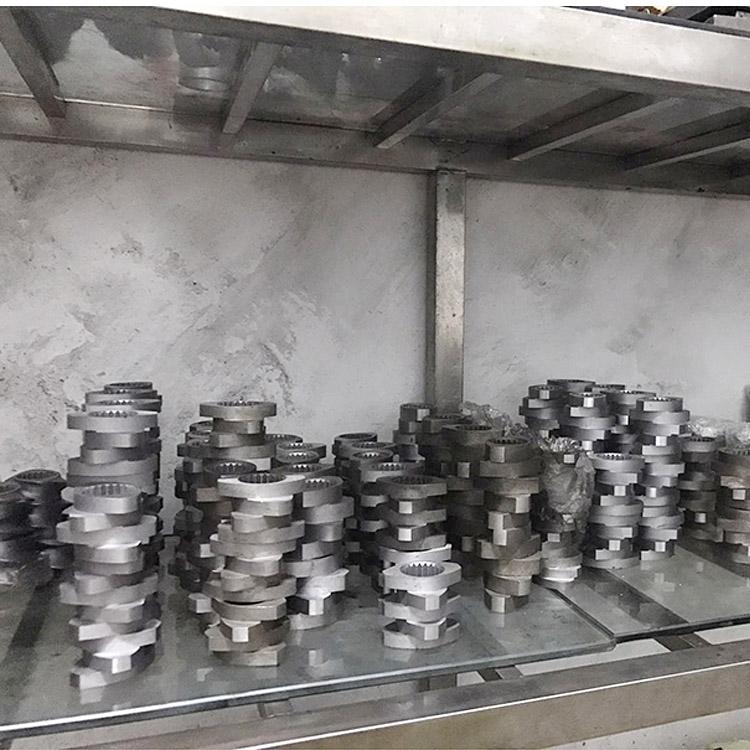 PVC双螺杆挤出机制造厂_路隆机械_TPU_色母料_20_木塑_路隆塑料机械制造