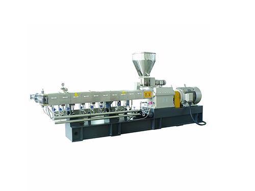 機油原料專用雙螺桿擠出機生產廠_路隆機械_小型_65_稱重_35_路隆塑料機械制造