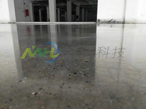 停车场金刚砂硬化耐磨地坪