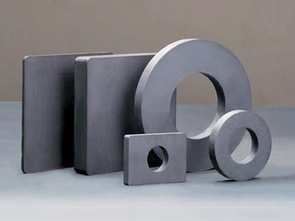 多种规则形铁氧体磁铁