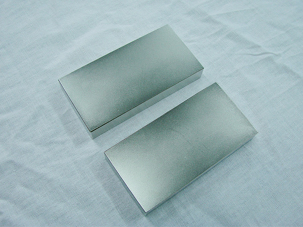 正方形钕铁硼磁铁
