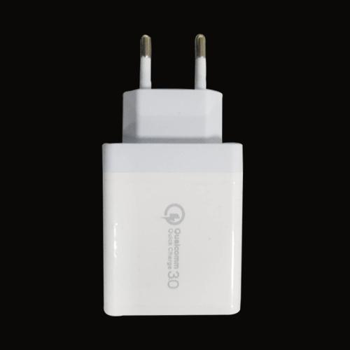 欧规QC3.0加12W 三USB充电器