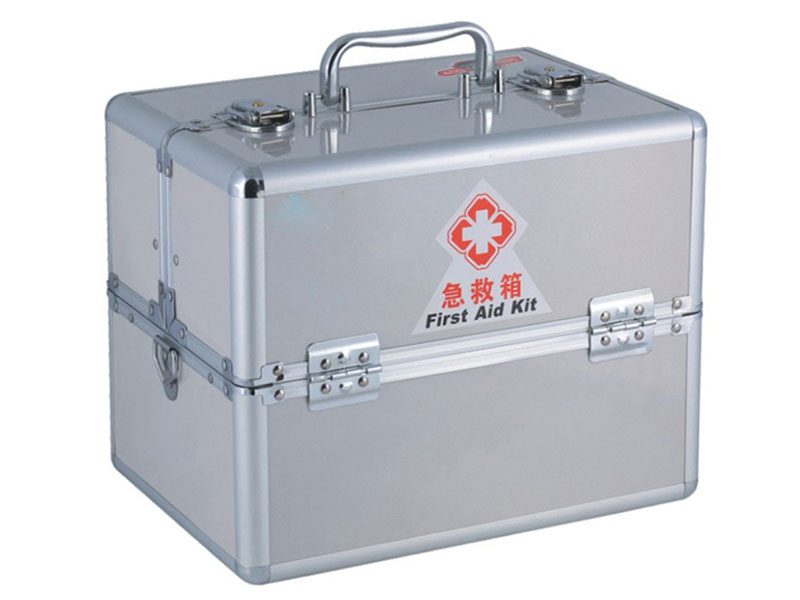 W-825 综合急救箱