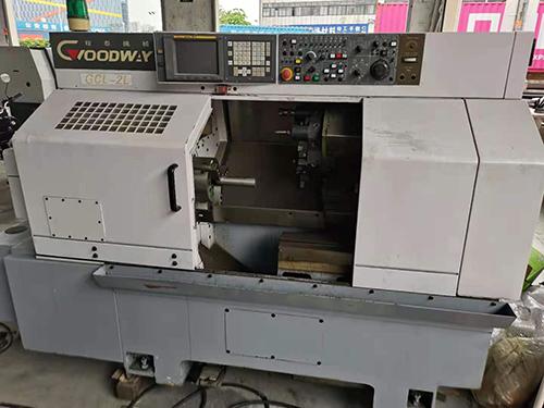 二手程泰GCL-2L車銑復合,單主軸,8寸卡盤,52寸的孔