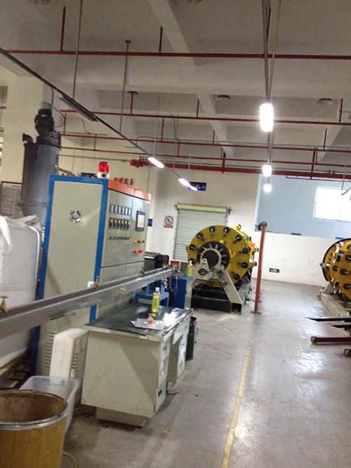 機器人_拖鏈線纜設備生產商_慶豐電工