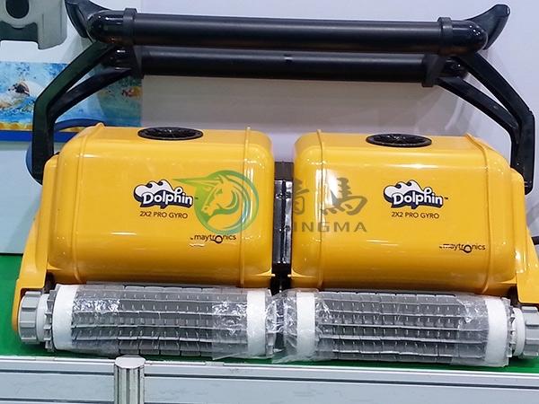 海豚雙排全自動吸污機