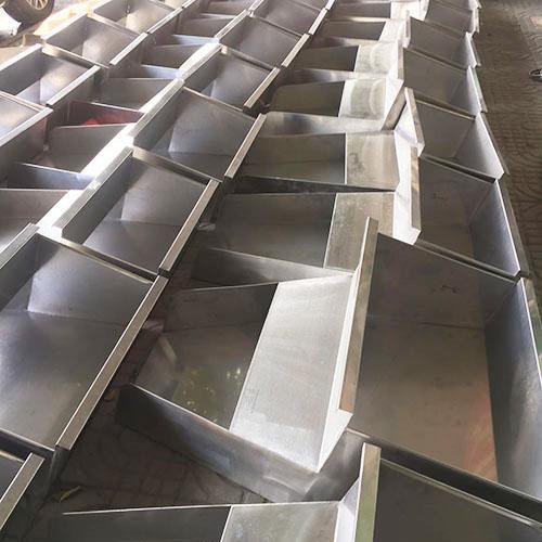 不銹鋼注塑機料斗生產