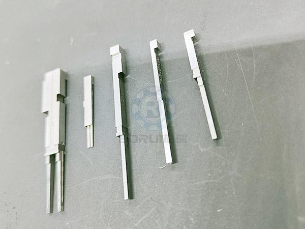 东莞连接器零件出售
