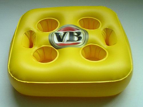 黄色充气坐垫