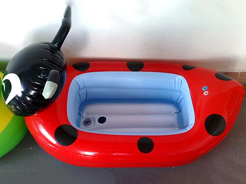 充气黑猫浴盆