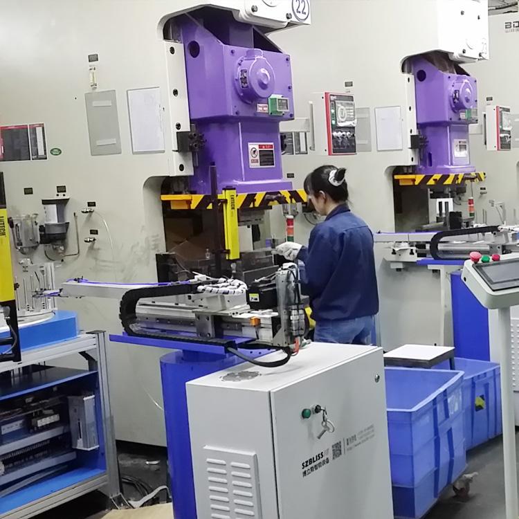 多工位冲压机械手 摆臂冲床机械手招区域代理