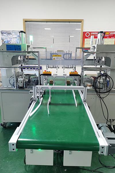 自动上料折边压泡机生产