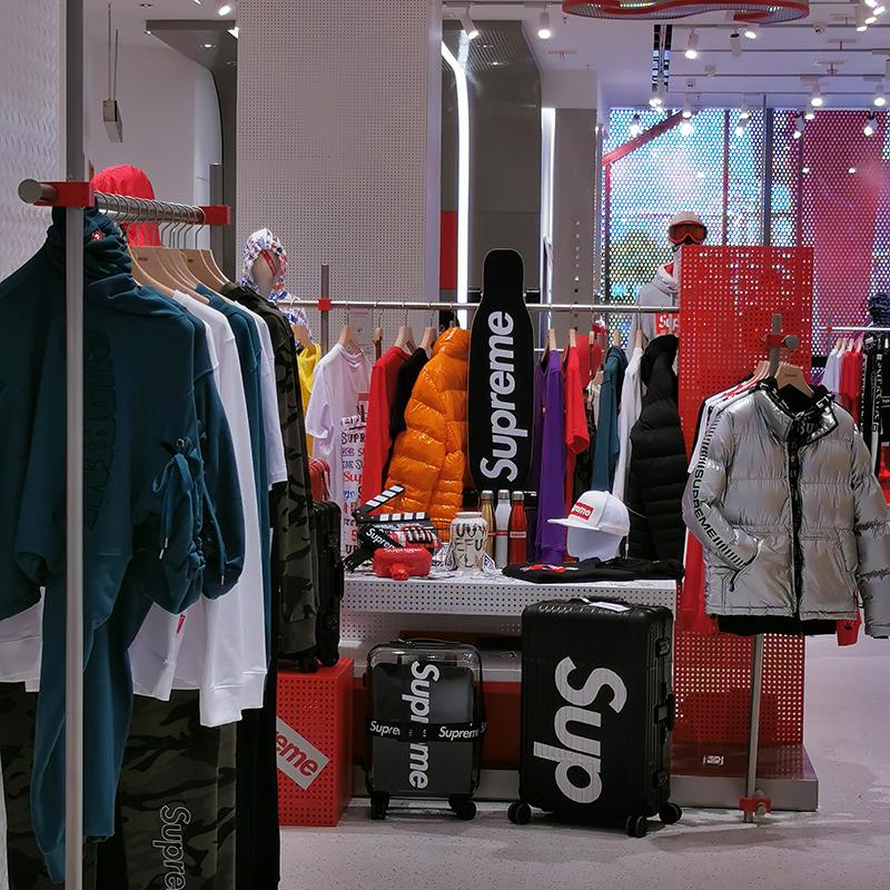 简单_白色服装展示架零售_天一地九金属制品