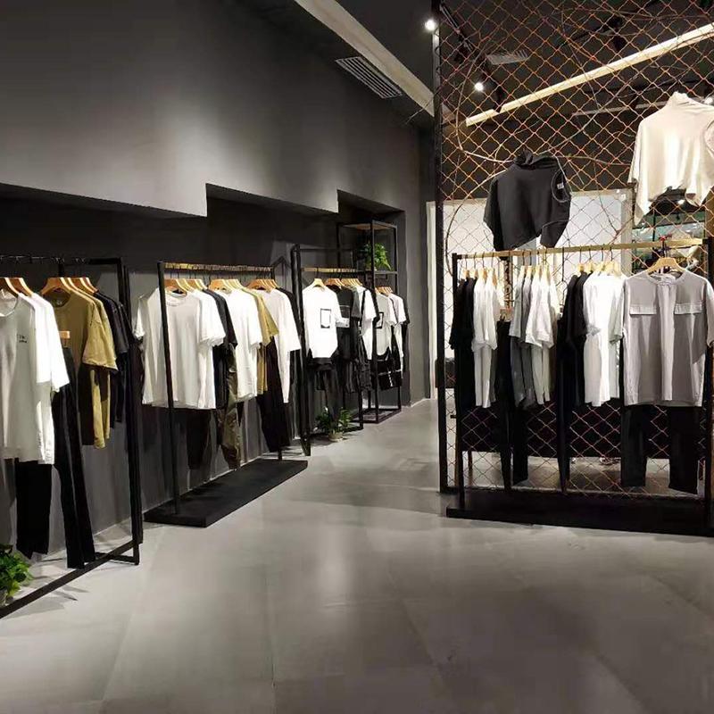 時尚_中國風服裝架加工商_天一地九金屬制品