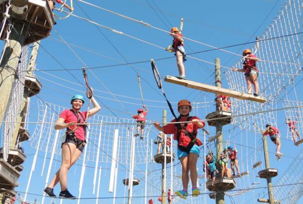 高空网阵立柱空中探险乐园