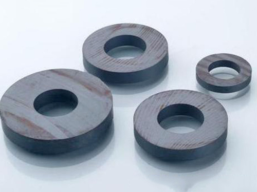 圓孔形鐵氧體磁鐵