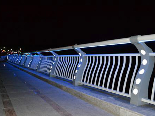 橋梁燈光護欄