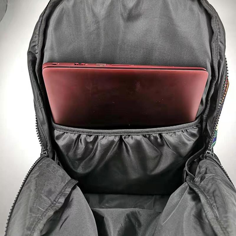 韩版旅行背包多少钱_新瑞手袋_旅游_多功能_实用_户外_商务