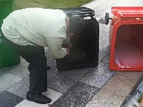 清洁垃圾桶